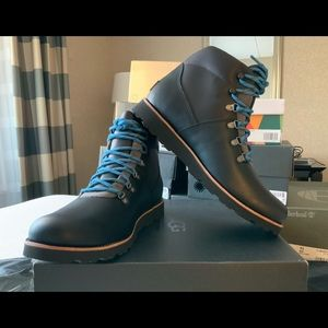 NWT UGG HAFSTEIN LEATHER men's shoes.  Size 11.